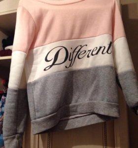 Толстовки и свитера