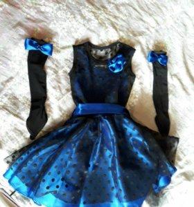 Платье с перчатками на девочку