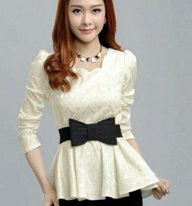 Блузка красивая.