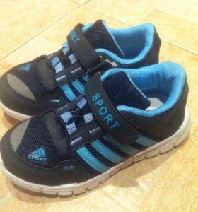 Новая детская обувь.