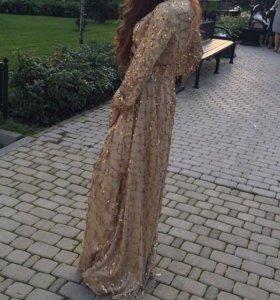 Вечернее платье в идеальном состоянии.