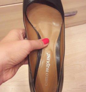 Почти новые туфли CARLO PAZOLINI 39