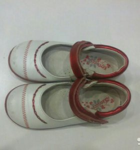 Туфли для девочки Котофей.29 размер.