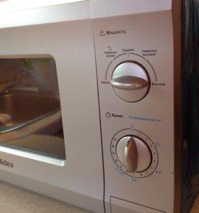 Микроволновая печь новая Midea ( в коробке )