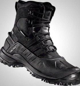 Ботинки Adidas Holtanna II Climaproof. 41