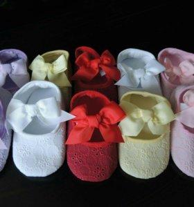 Первая обувь для маленьких модниц