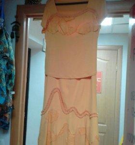 Продается женский костюм