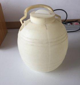 Бидон с крышкой пластиковый 6 литров