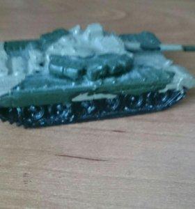Миниатюрный игрушечный танк(фигурка)