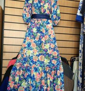 Нарядное длинное в пол платье