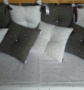Бортики-подушки в кроватку новорожденного