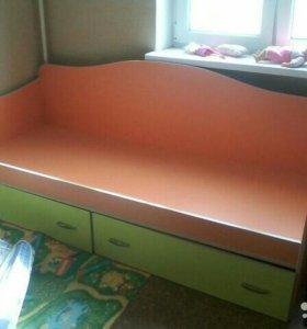 Детская кровать длина 1м 90 ширина 80 см