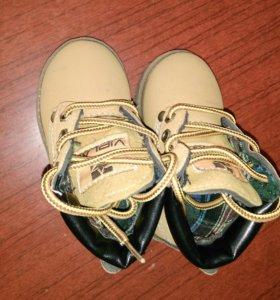 Стильные ботиночки в идеальном состоянии