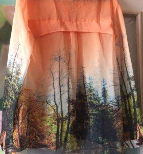 Новая блузка с принтом.