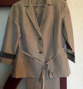 Костюм женский пиджак и брюки (Италия)