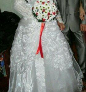 Костюм свадебный.