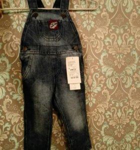 Новый джинсовый комбинезон р. 74