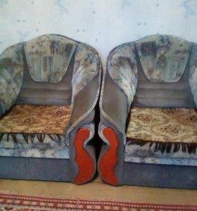 Два кресла кровати