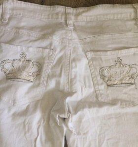 Красивые белые джинсы Revers