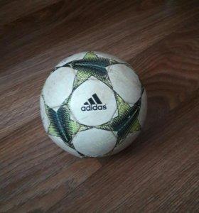 Мини футбольный мячик Real Madrid