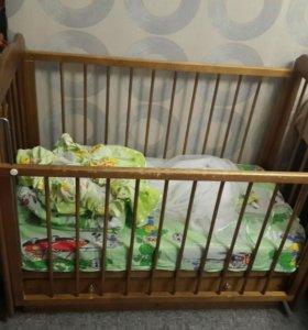 Детская кроватка-маятник +матрас, одеяло, балдахин