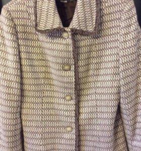 Пиджак на 50-52 размер