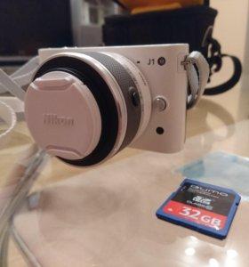 Nikon 1 J1 Kit