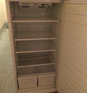 Фармацевтический холодильник.