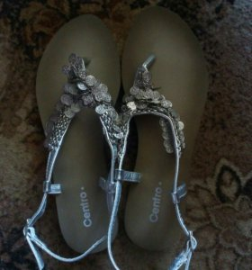 Балетки, туфли и босоножки.