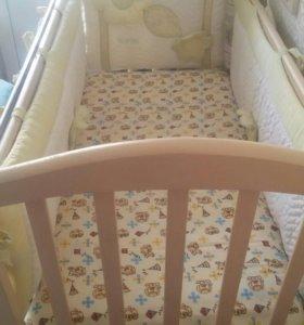 Кроватка маятник, матрас, бортики, подушка