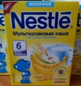 Смесь Nutrilak 3 и каша Nestle