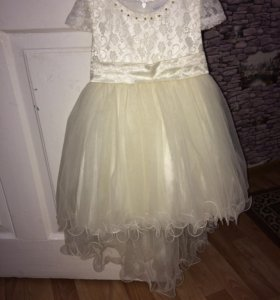 Продам платье (1000) и диадему (300)
