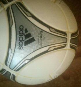 Adidas мяч