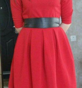 Красное шикарное платье