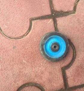 Колёса для самоката синие (900₽) золотое (500)