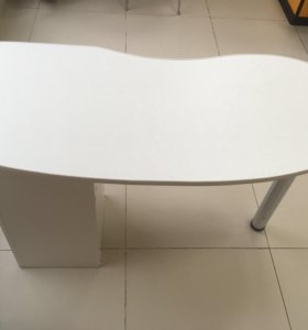 Маникюрный стол 2 штуки
