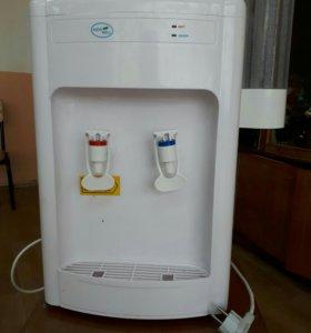 Кулер для воды новый в использовании 3 месяца был.
