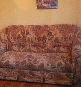 Продам удобный диван