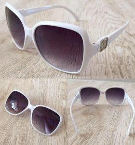 Очки солнцезащитные , новые