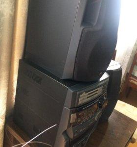 Музыкальный проигрыватель СD-дисков и кассет