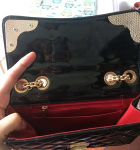 Лакированная сумочка