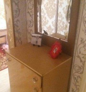 Два шкафчика обувных вешалка и с зеркалом