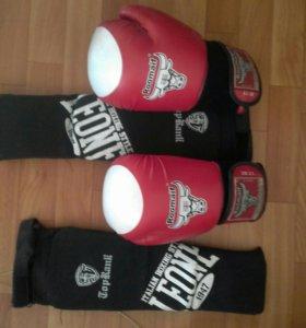 Боксерские перчатки и щитки