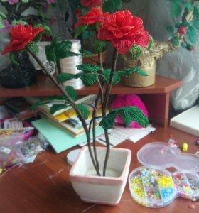 Розы из бисера, ручная работа