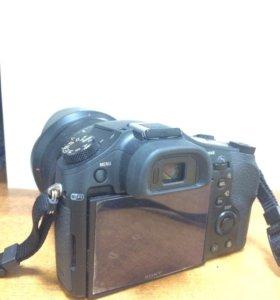 Компактный цифровой фотоаппарат Sony DSC-RX10