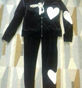 Дизайнерский костюм размер 48- 50