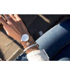 Часы (набор с браслетами)