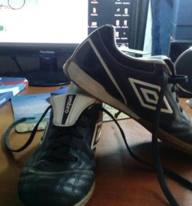 Обувь UMBRO