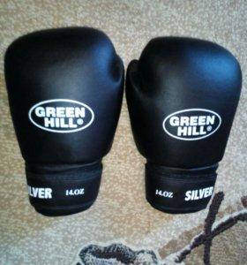 Перчатки бокс Green hill 14 .oz,новая капа,бинты
