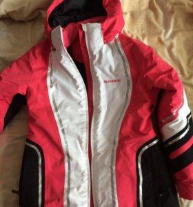 Куртка б/у д/прогулок на лыжах в хорошем состоянии